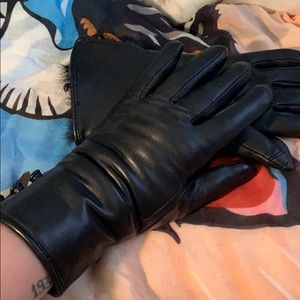 Genuine leather black faux  fur gloves 🖤